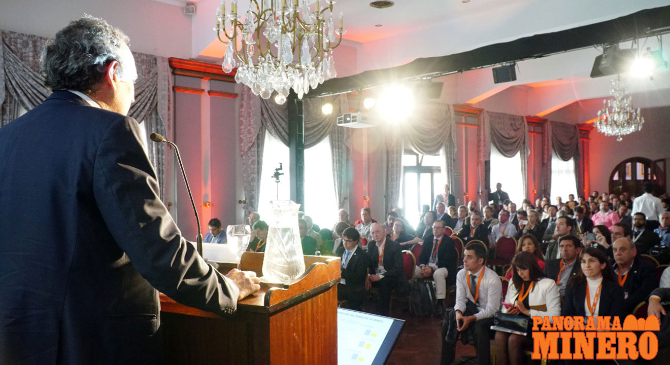 """Orocobre Limited CEO and Managing Director Martín Pérez de Solay presenting at the annual """"VIII Seminario Internacional: Litio en la Región de Sudamérica"""""""
